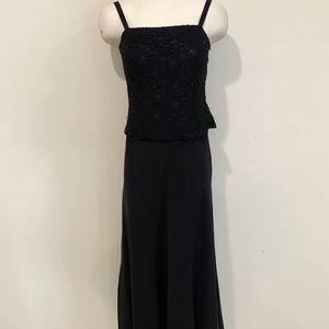 Women's Long Black Evening Gown Black Lace Bodice
